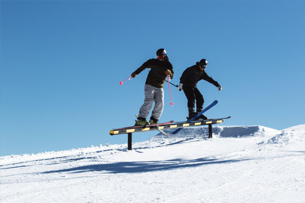 Hotham season extension, powder snowboarder
