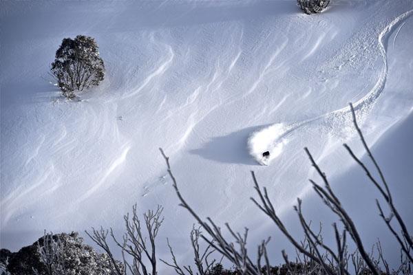 Deep steep powder line, skier Hotham season extension